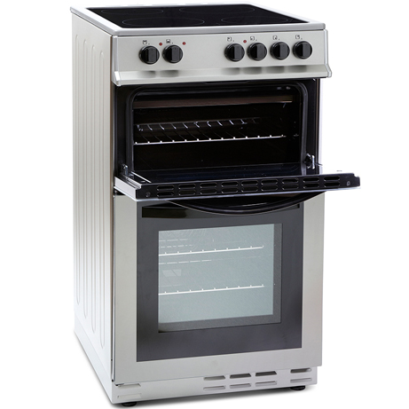 Montpellier freestanding cooker with the grill door open