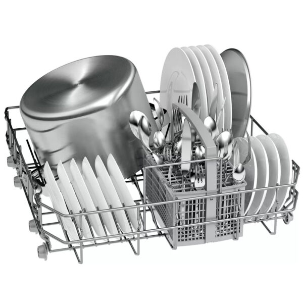 Bosch Fully integrated Dishwasher bottom basket